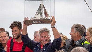 Photo of Uit de Skûtsjekrant: SKS-Kampioen Douwe Visser van Grou